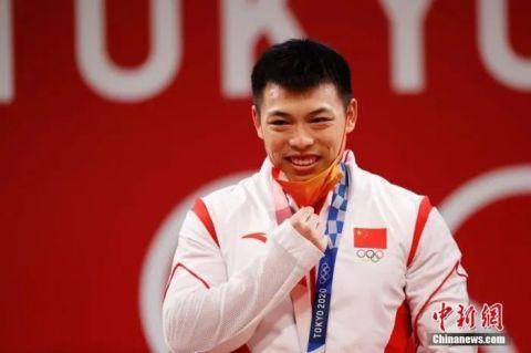 30秒!东京奥 运拿奖牌可摘口罩拍照了!