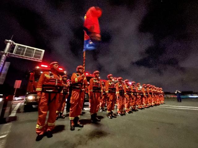 再有5省连夜驰援!国家防总工作组已抵达河南新乡救援现场