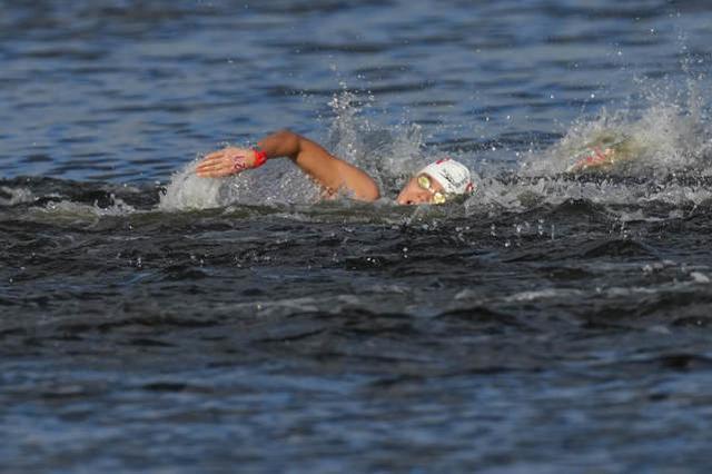 辛鑫获得女子10公里马拉松游泳比赛第8名